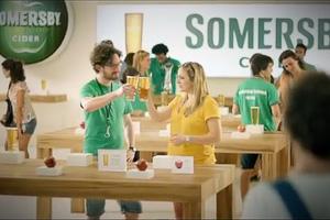 Производитель яблочного вина поиздевался над Apple в своей рекламе