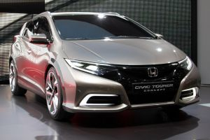 Honda Civic Tourer 2014 - новая версия универсала
