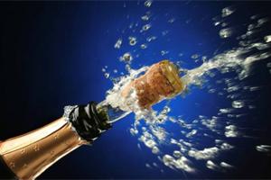 Новый год: О пользе и вреде шампанского